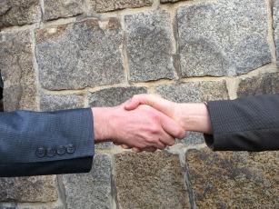 handshake-1205055_960_720 (1)